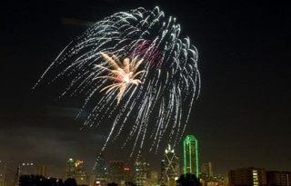 Dallas_fireworks_2008 the examiner