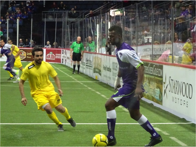 Dallas Sidekicks defender Mike Jones moves the soccer ball agains Hidalgo La Fiera Saturday December 6, 2014. Mandatory Photo Credit - Matt Thornton Dallas Entertainment Journal